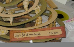 A centerpiece sculpture made entirely of bread - click on this to see a larger, more detailed, view