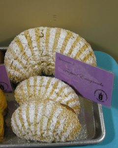 I didn't get to try one of these, but I was taken by the beauty of the Tropical Ensaymada - simple and elegant